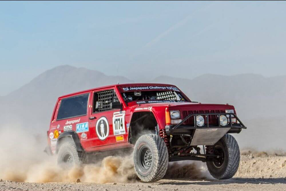 Jeep-speed-off-road-racer-6-1000x667 (1)